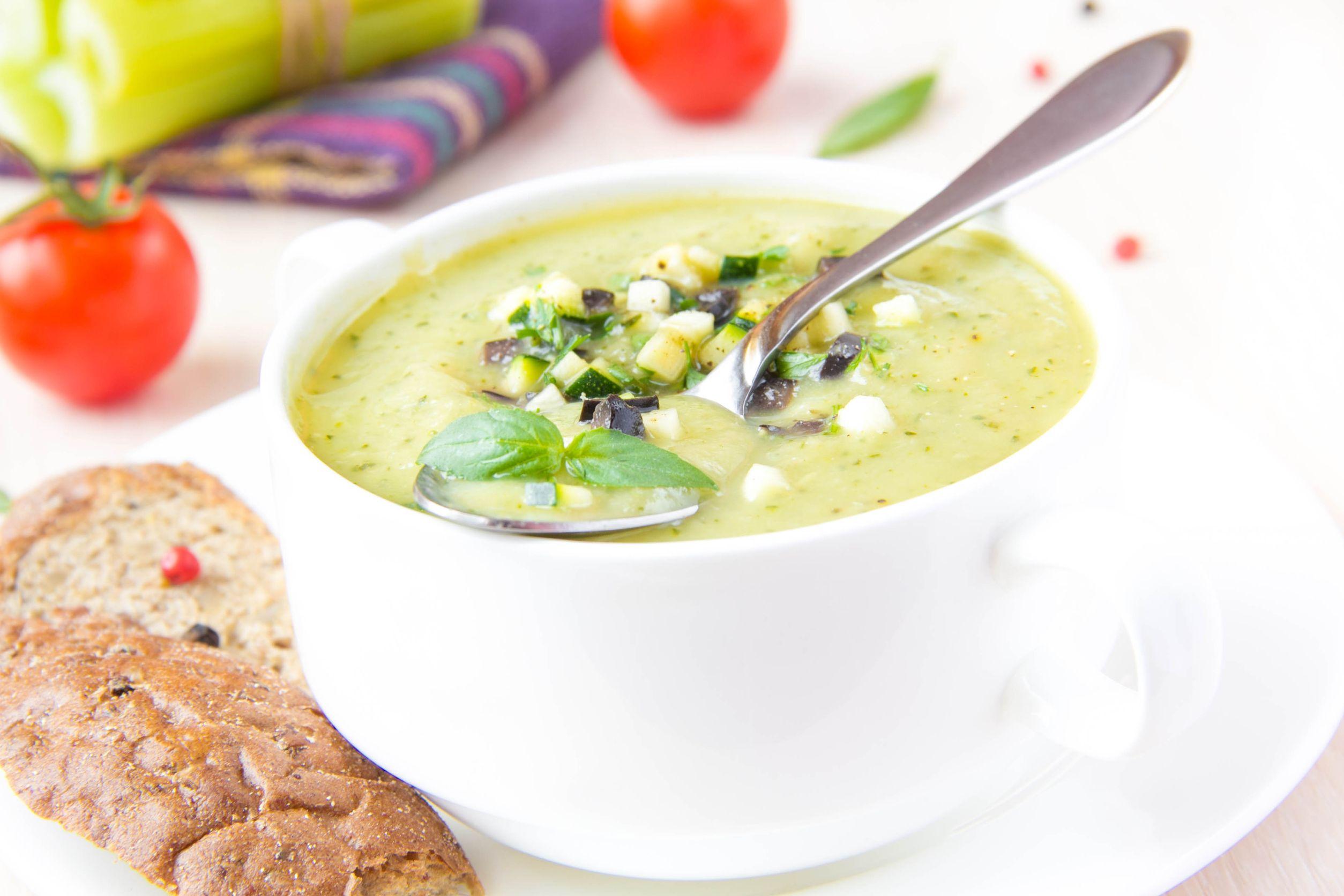 Egészségséfünk ajánlja: Hideg kovászosuborka-leves