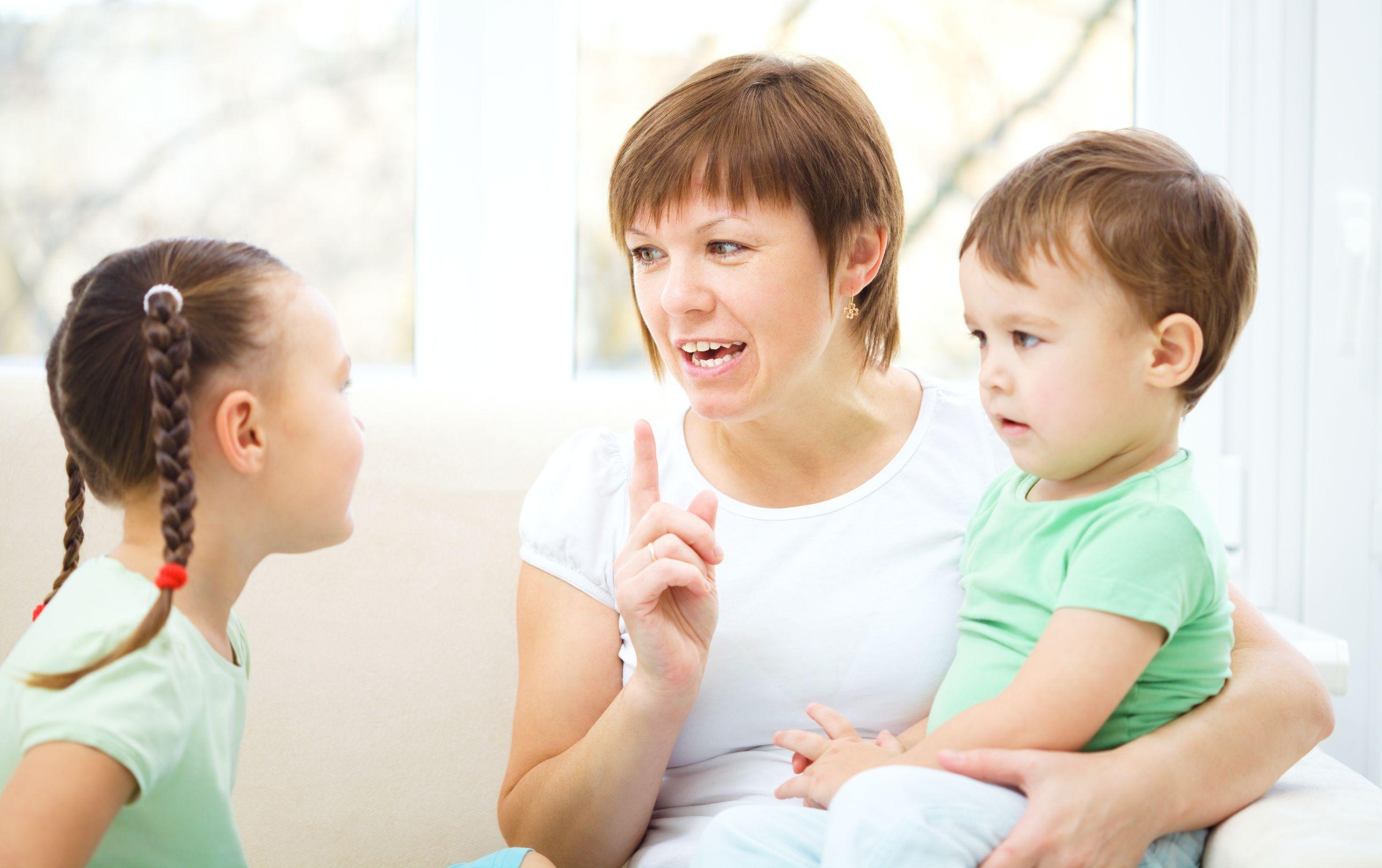8 hazugság, amit mindig mondunk a gyerekeknek