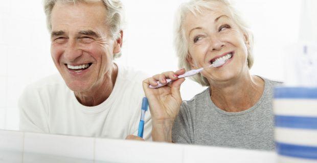 Koraszülést is okozhat a fogínysorvadás