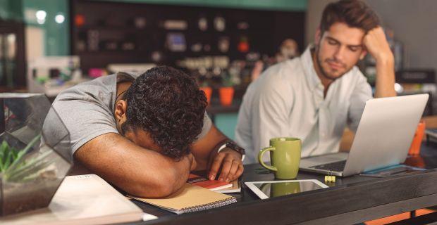 Aludna munkaidőben? Betegség állhat mögötte
