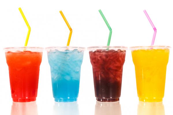 Ennyi ember hal meg évente a cukros üdítők miatt
