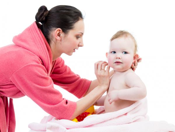 A helyes fültisztítás lépései gyermekkorban