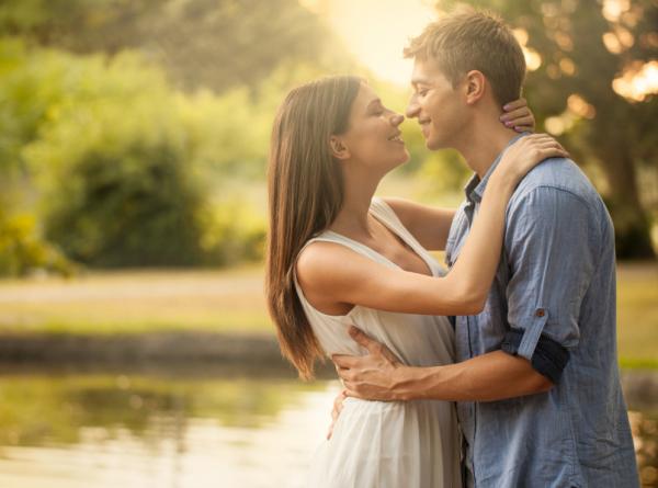 Hány csókot kell váltani a boldogsághoz?