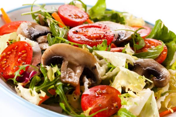 Gombás vegyes saláta - Egészségséf