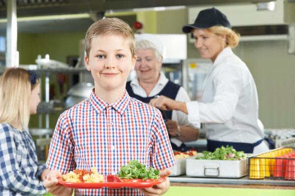 Holnaptól egészségesebb ebédet kapnak a gyerekek