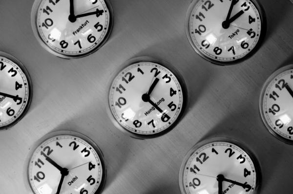 Milyen hatással van az óraátállítás a szervezetünkre?