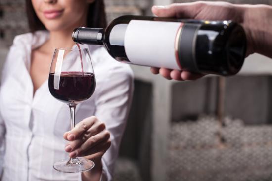 Már annyit isznak a nők, mint a férfiak?