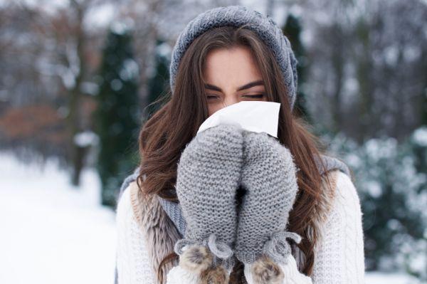 Tuti tippek megfázás ellen: réteges öltözködés és forró ital