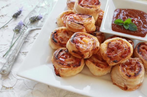 Serrano sonkás tésztatekercs - Egészségséfünk receptje