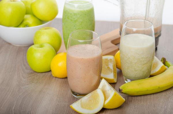 Zabpelyhes gyümölcsturmix reggelire - Egészségséf