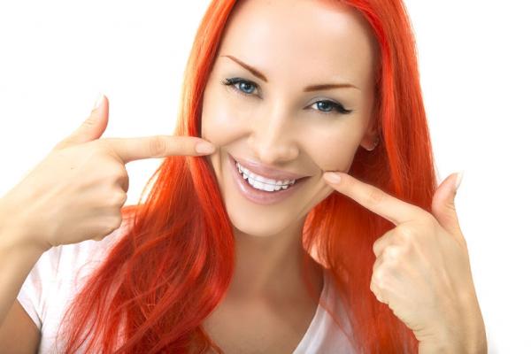 Kócos fogsor? Fogszabályzás felnőtteknek