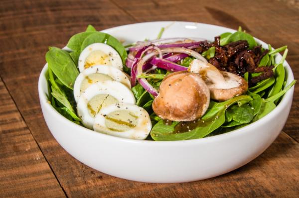 Sült gombás, lilahagymás saláta - Egészségséf