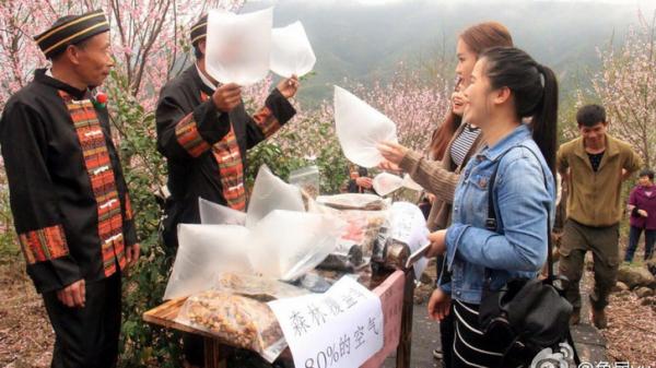 A falusi kínaiak levegőt árulnak a városlakóknak
