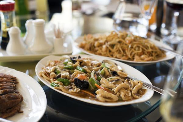 Csirkemell rizstésztával - Egészségséfünk receptje