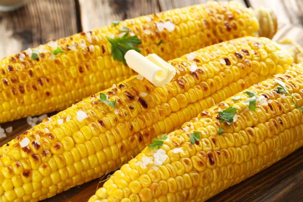 Zöldfűszeres grillezett kukorica -Egészségséf