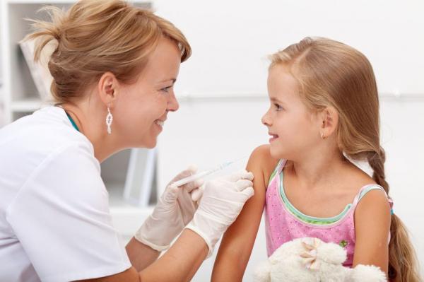 Védőoltás nélkül nem mehet suliba a gyerek