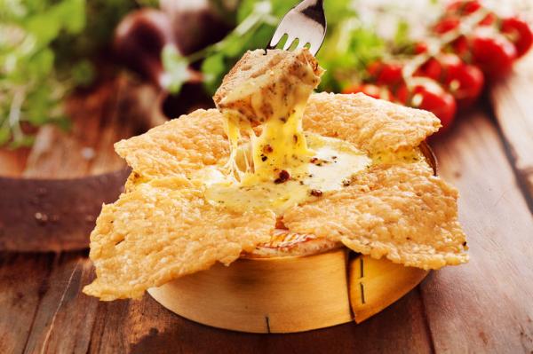 Grillezett camembert sajt - Egészségséf