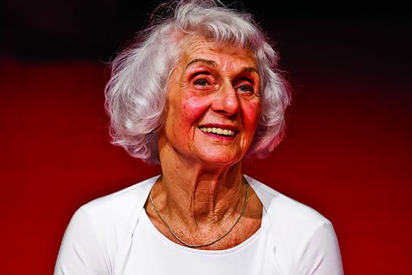 A létezés öröme - Interjú a 90 éves Fahidi Évával