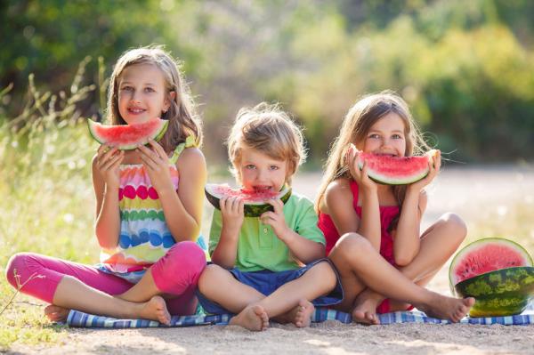Mit egyen a gyerek nyáron?