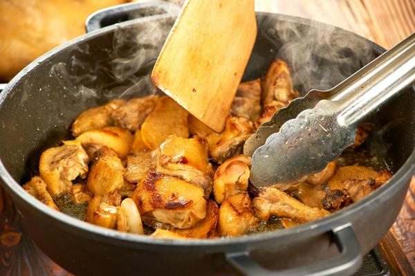 Gyömbéres-fokhagymás csirke római tálban - Egészségséf