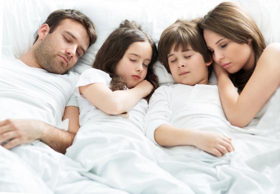 Együttalvás a szülővel egészséges?