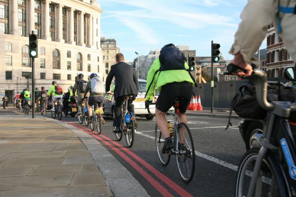 A szexuális egészségnek nem árt a kerékpározás