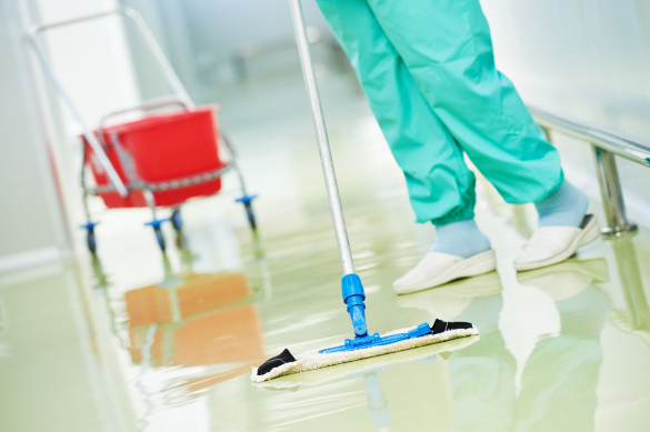 Önfertőtlenítő és-tisztító felületű padlóburkolat