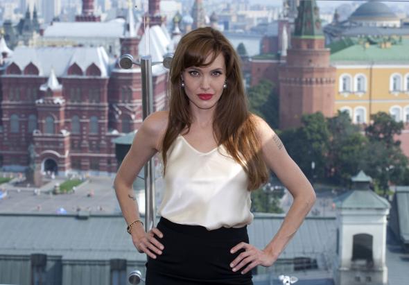 Angelina Jolie: a szexuális erőszak háborús fegyverré vált