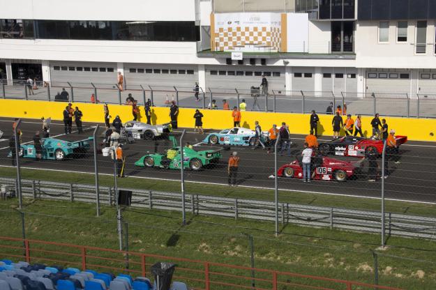 Autóversenyzők a daganatos gyerekekért
