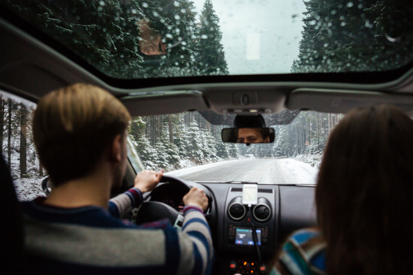 5 tipp a biztonságos téli autóvezetéshez