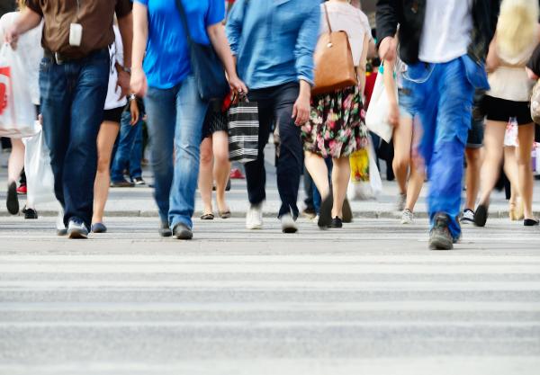 Aki gyorsan gyalogol, lassan öregszik
