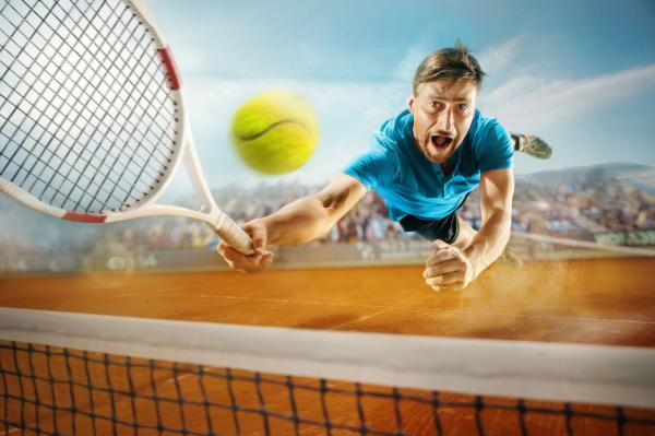 Mi a teniszezők hangos nyögéseinek oka?