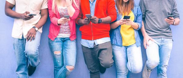 Új kórkép: telefonfüggőség