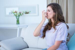 Az asztmások ne hagyják abba a gyógyszerszedést!