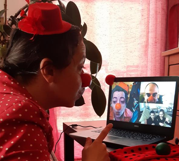 Online vizitet tartanak a bohócdoktorok