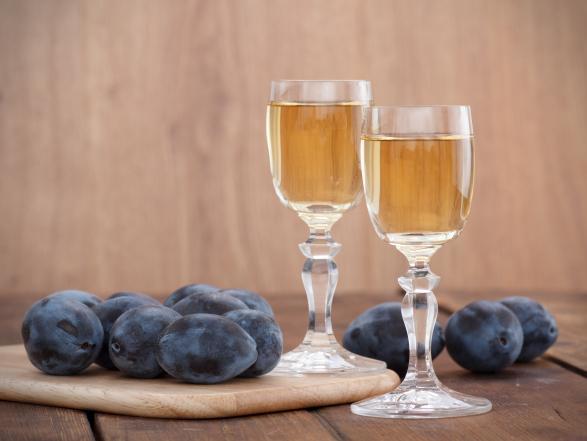 Koronavírus: az alkohol csak külsőleg hat!