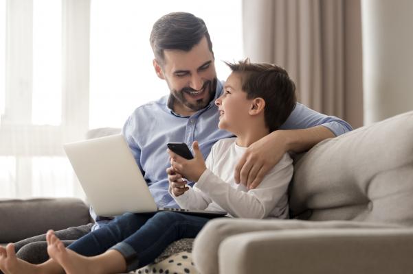 A sokat mobilozó gyerekek figyelmi fókusza
