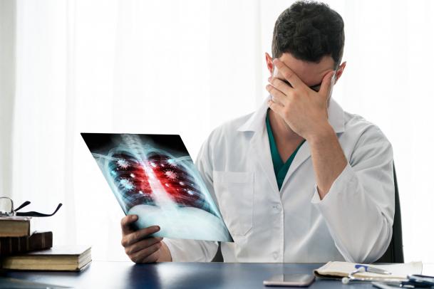 Tüdőkárosodás is állhat a fáradékonyság hátterében