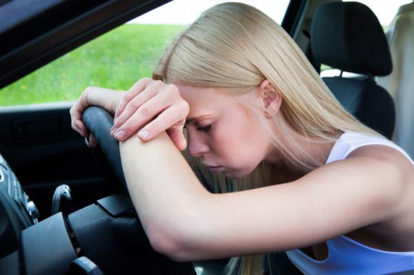 Álmosan vezetni?