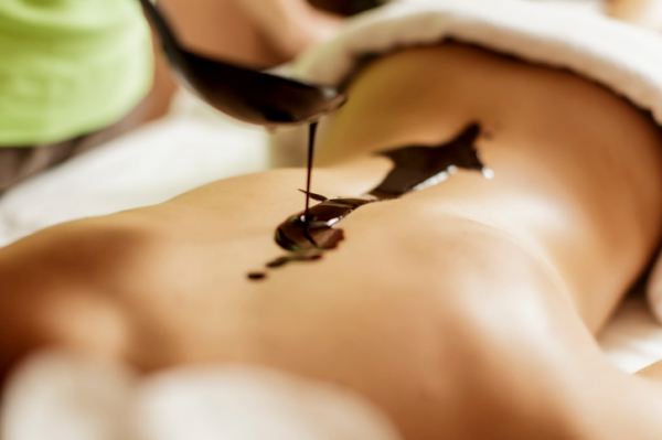 Csokimasszázs: édes élet tetőtől talpig