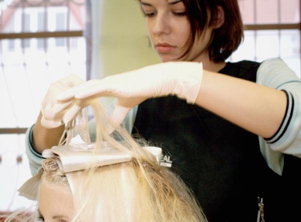 A hajfestés a fodrászok életét fenyegeti?