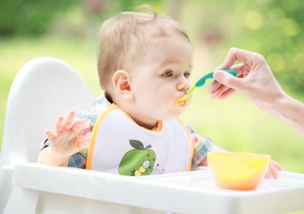 Az anya-gyerek kapcsolat és a táplálás 6-12 hónapos korban