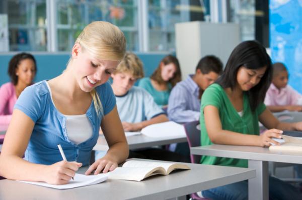 Miért kapnak jobb osztályzatokat a lányok az iskolában?