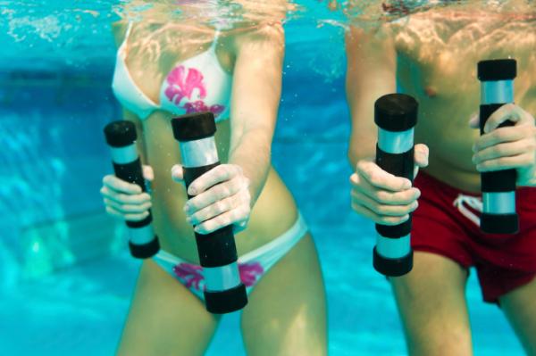 Testmozgás a vízben