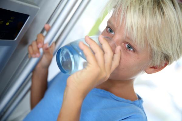 Elég vizet iszik a gyerek?