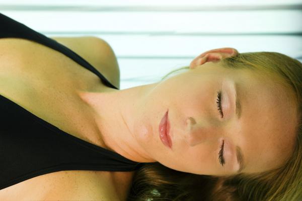 Az anyák növelhetik a lányok melanoma-kockázatát?