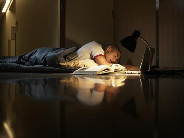 Reflux is okozhat alvászavart