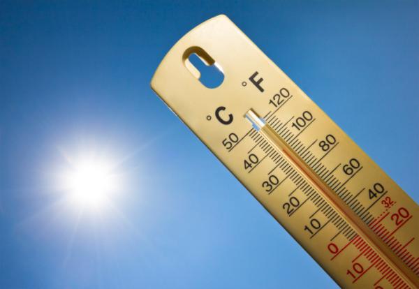 Hétfő déltől hőségriasztást rendeltek el