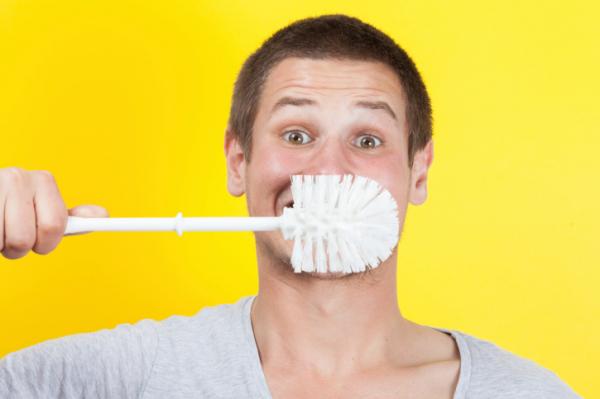 Még fogat mosni sem tudunk?