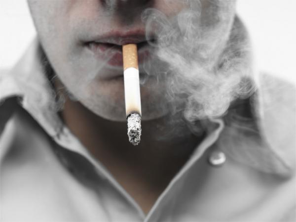 Tényleg tíz évvel megrövidíti az életet a dohányzás